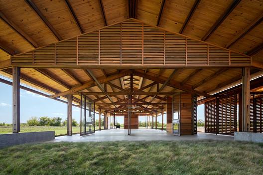 Dixon Water Foundation Josey Pavilion / Lake|Flato Architects