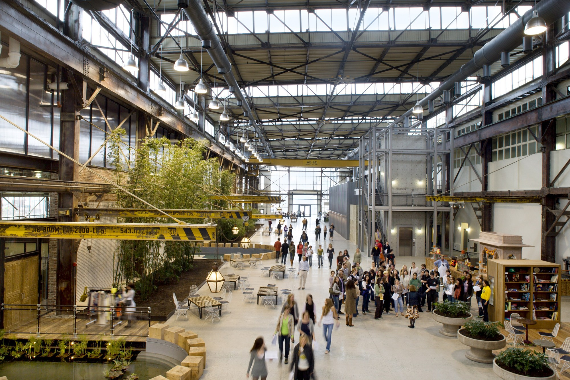 Urban Outfitters Corporate Campus / MSR Design | ArchDaily
