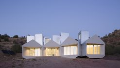 Museum of Outdoor Arts Element House / MOS Architects