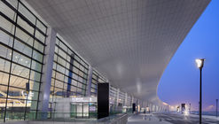 Zhengzhou Xinzheng International Airport Terminal 2 / CNADRI