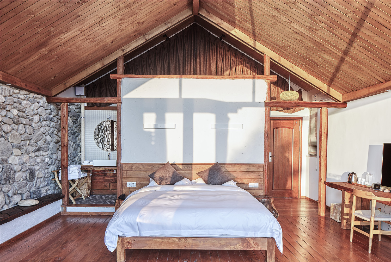 Gallery Of Dali Munwood Lakeside Resort Hotel Init