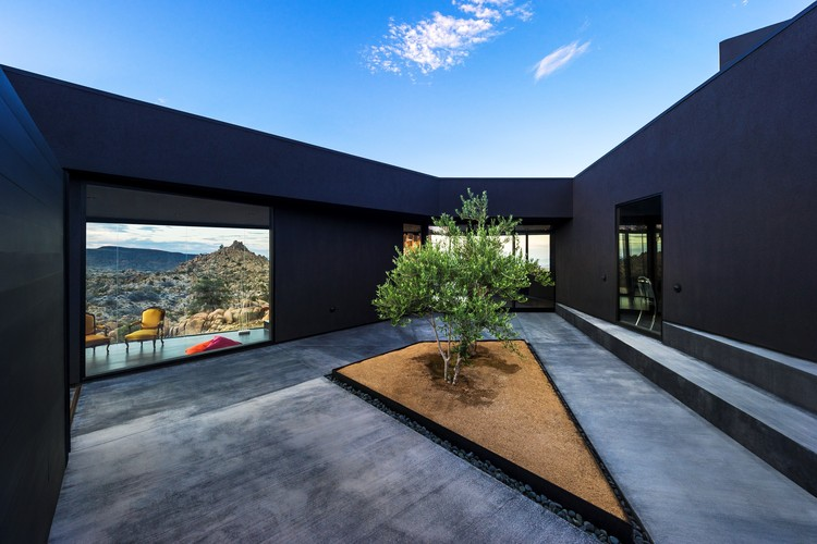 Black Desert House / Oller & Pejic Architecture | ArchDaily