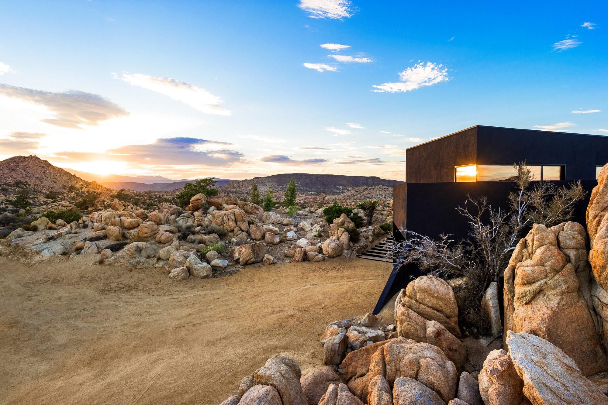 здание пустынный дом картинки людьми одно