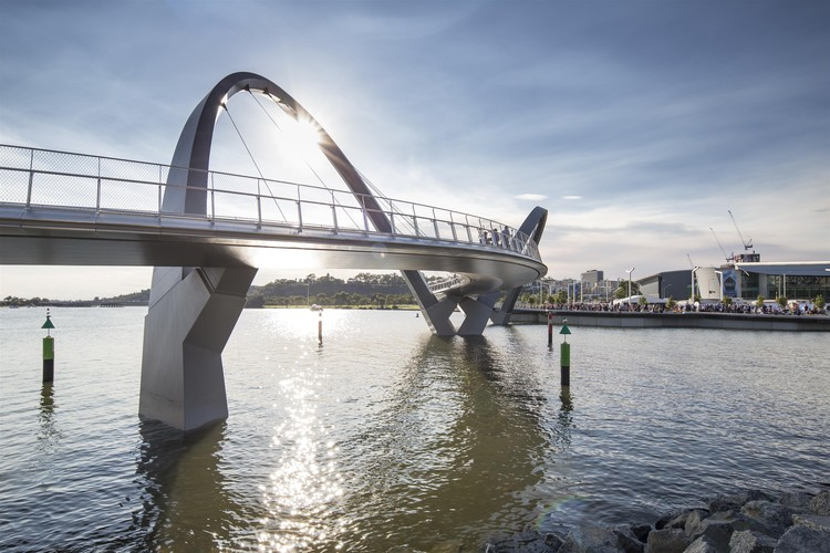 Queen Elizabeth Quay Bridge  / Arup Associates, © Jacaranda Photography