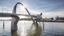 Queen Elizabeth Quay Bridge  / Arup Associates