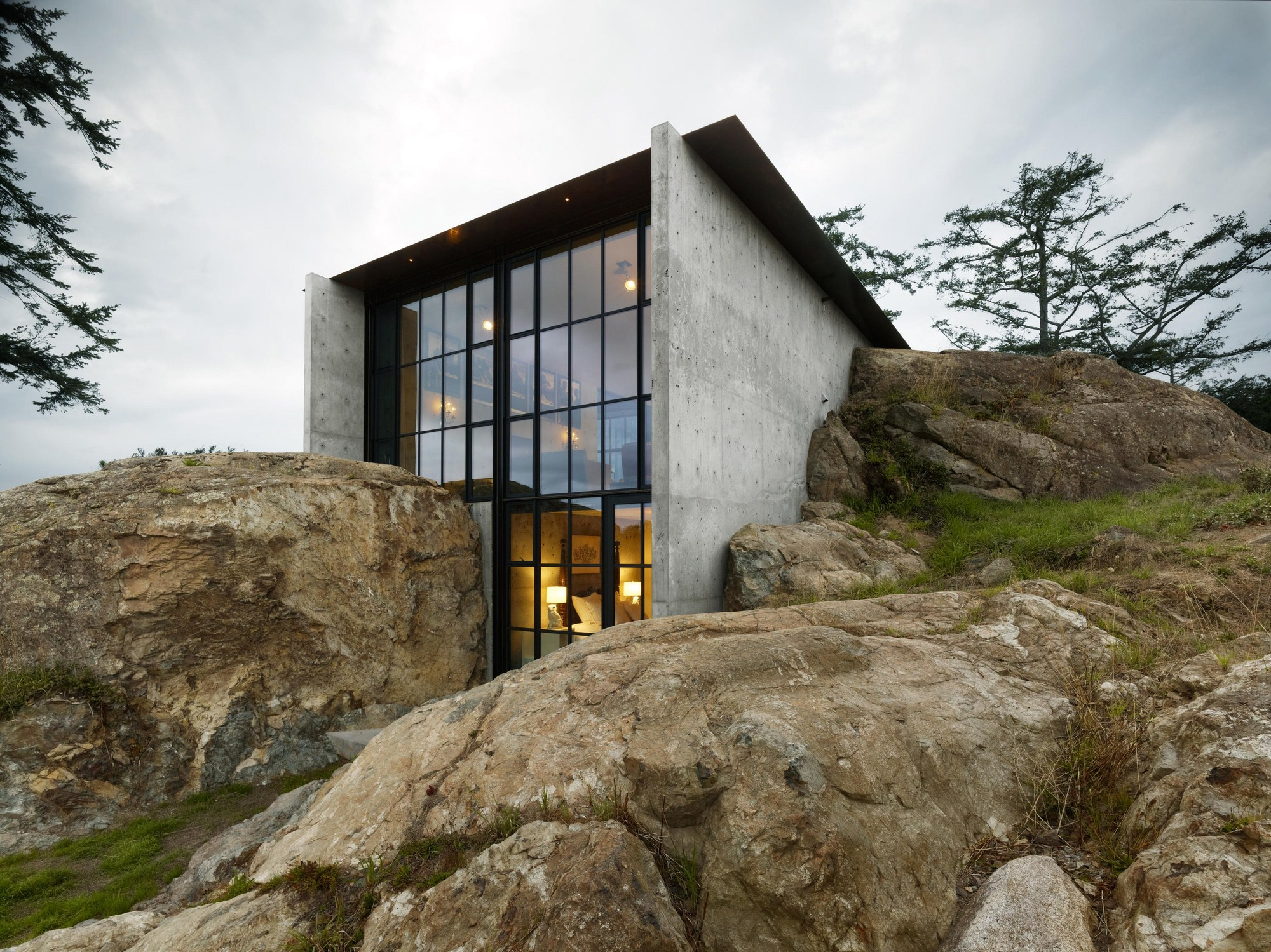 The pierre olson kundig archdaily - Sandblasting house exterior cost ...