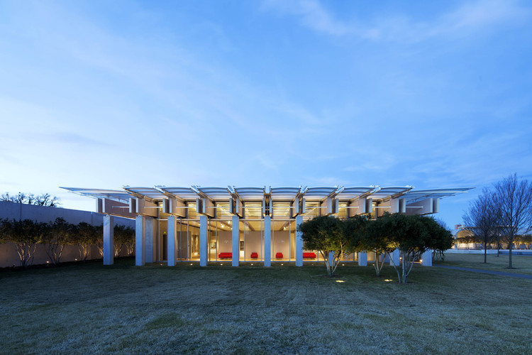 Kimbell Art Museum Expansion / Renzo Piano Building Workshop  + Kendall/Heaton Associates, © Nic Lehoux
