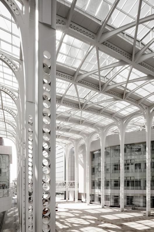 Fengxian Civic Centre Canopy / Atelier GOM, © Zhang Jiajing