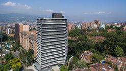 Zebrano / Plan b arquitectos + M+Group