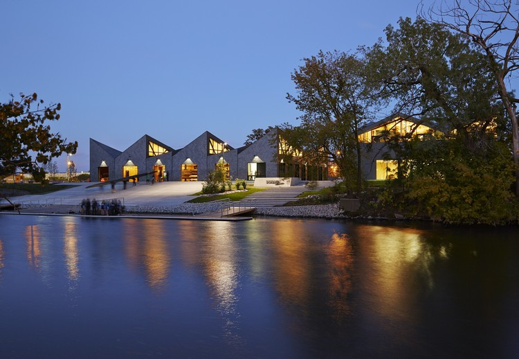 WMS Boathouse at Clark Park / Studio Gang