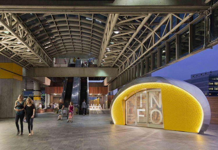 Pavilhões para ônibus na Union Station / Studio Twenty Seven Architecture, © Anice Hoachlander