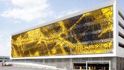 Fachada Artística en Estructura de Estacionamientos / Rob Ley Studio