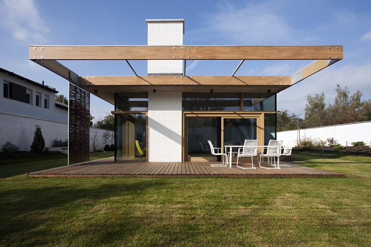TD House  / sporaarchitects, © Tamás Bujnovszky