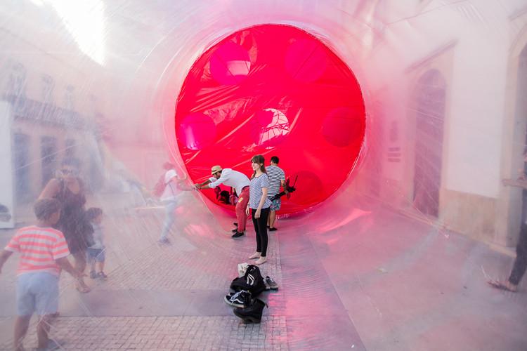 La arquitectura inflable de Plastique Fantastique, © Miguel Oliveira y Bárbara Moreira