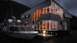 Floating Hotel / Sabbagh Arquitectos