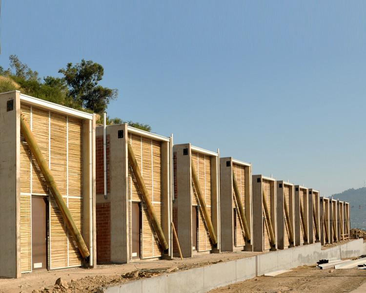Ruca Dwellings / Undurraga Devés Arquitectos, © Guy Wenborne
