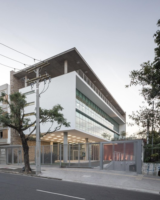 ADUFRGS / Santini & Rocha Arquitetos