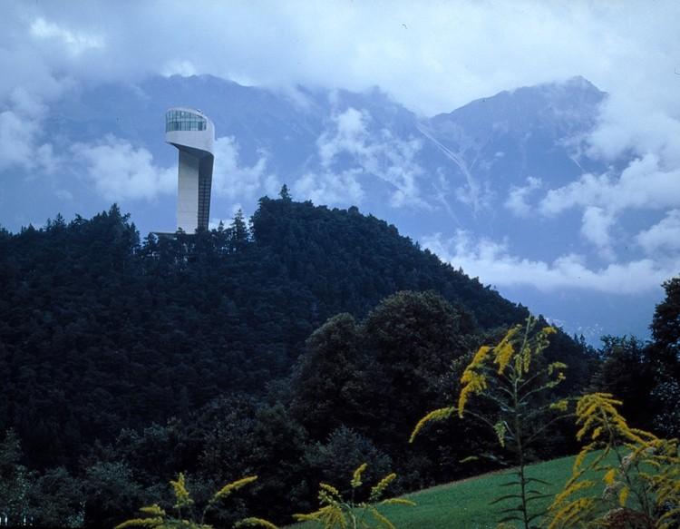 AD Classics: Bergisel Ski Jump / Zaha Hadid Architects, © Helene Binet