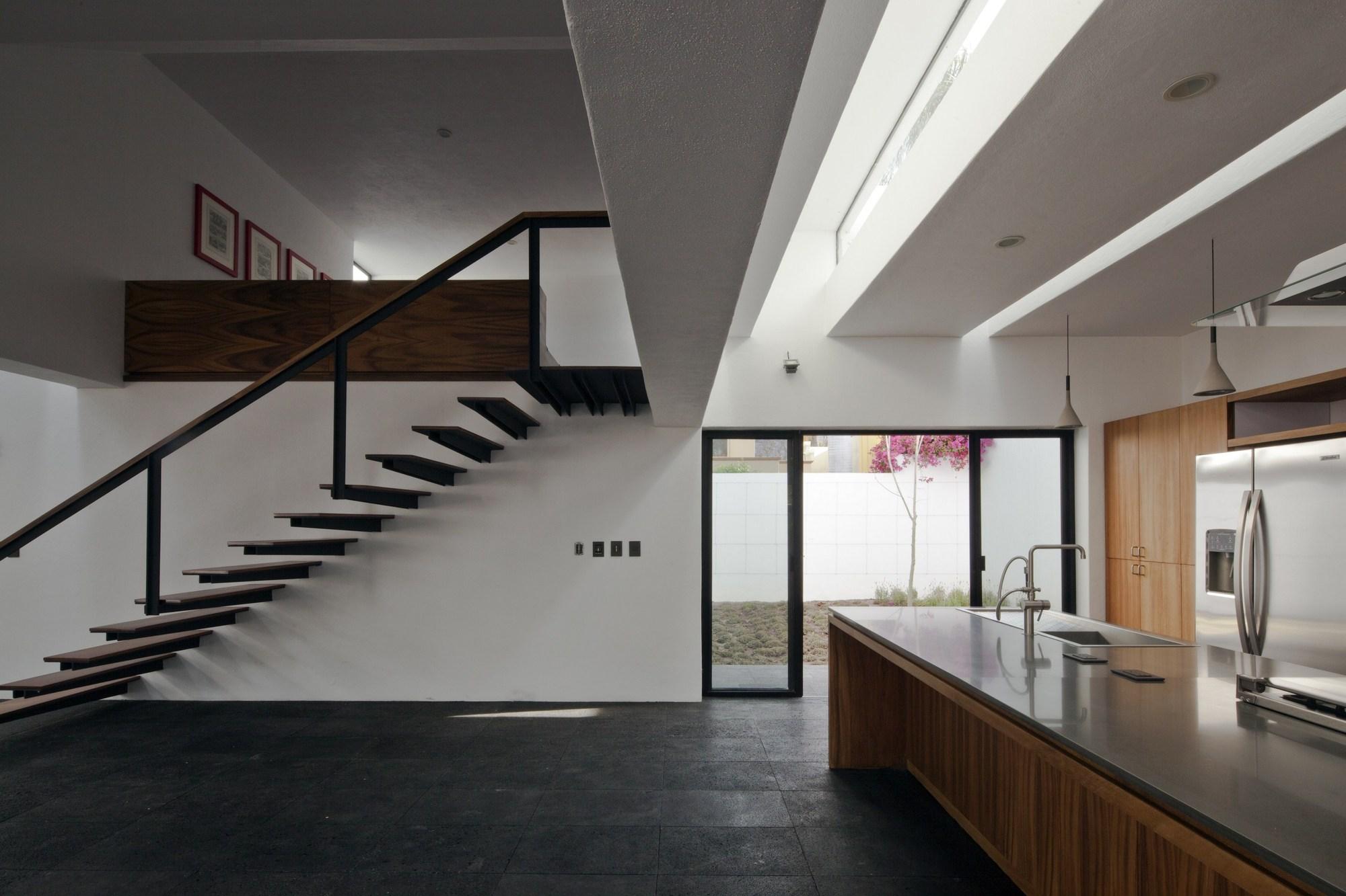 Gallery of studio house on chap lico sea ars atelier de - Casas en el mar ...
