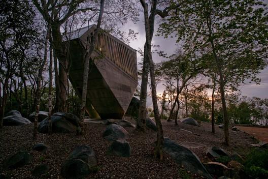 Capilla del Atardecer / BNKR Arquitectura