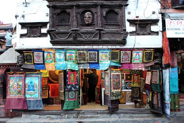 Kathmandu pelas lentes de Fernanda Antonio, Antiga edificação com as características janelas entalhadas da arquitetura Newar  em Kathmandu Durbar Square. Image © Fernanda Antonio