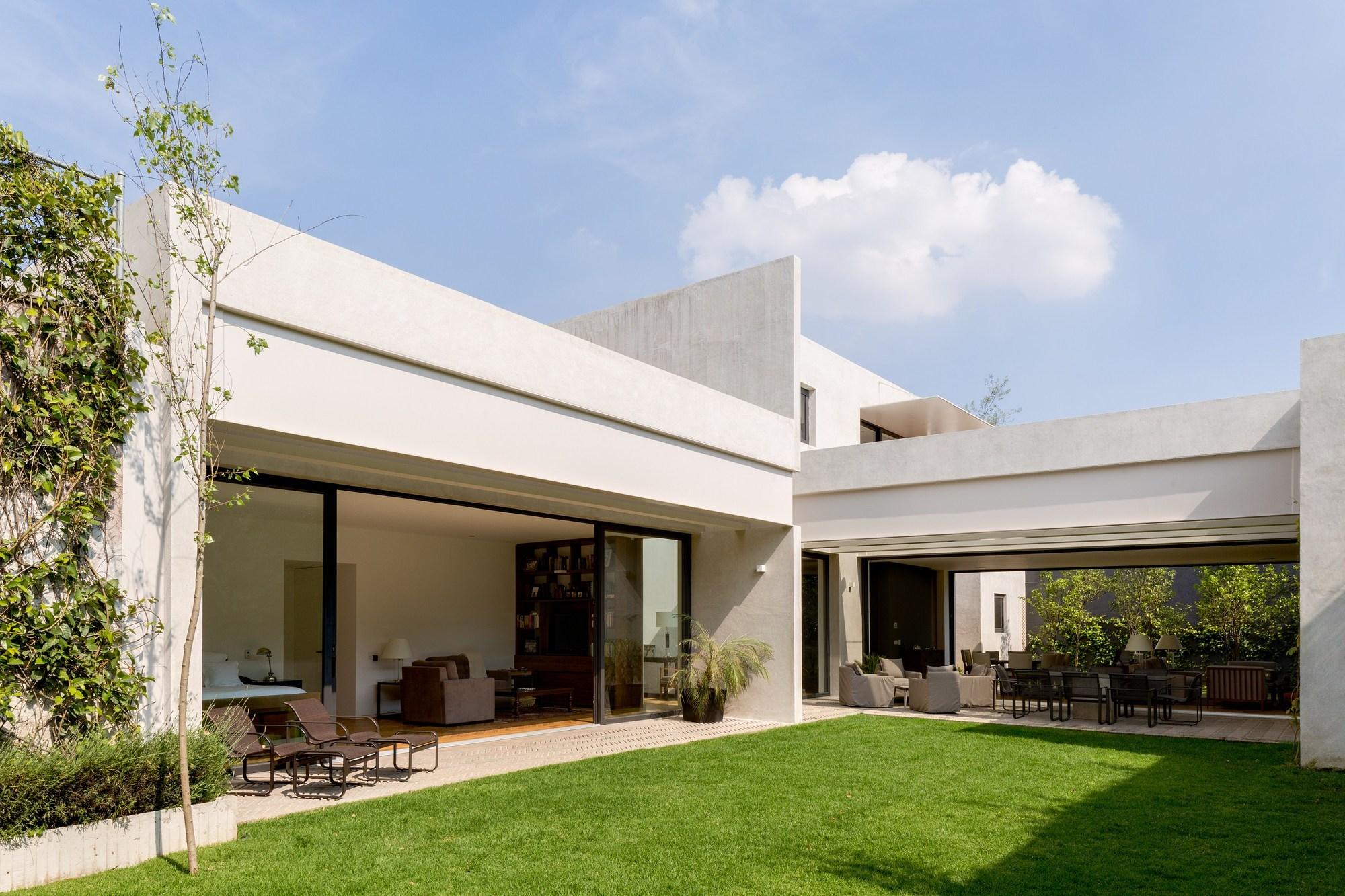 Casa jard n dcpp arquitectos archdaily m xico for Jardines exteriores de casas de campo