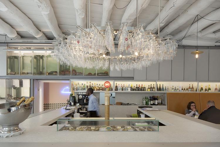 Restaurante e Oyster Bar / atelierdacosta, © Tiago Casanova