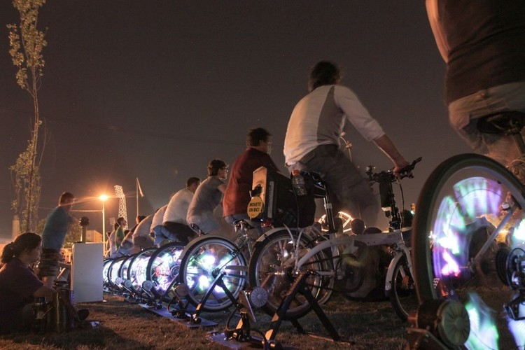 Mostra de cinema movida à energia de pedal percorrerá 5 cidades brasileiras, via pedal.com.br