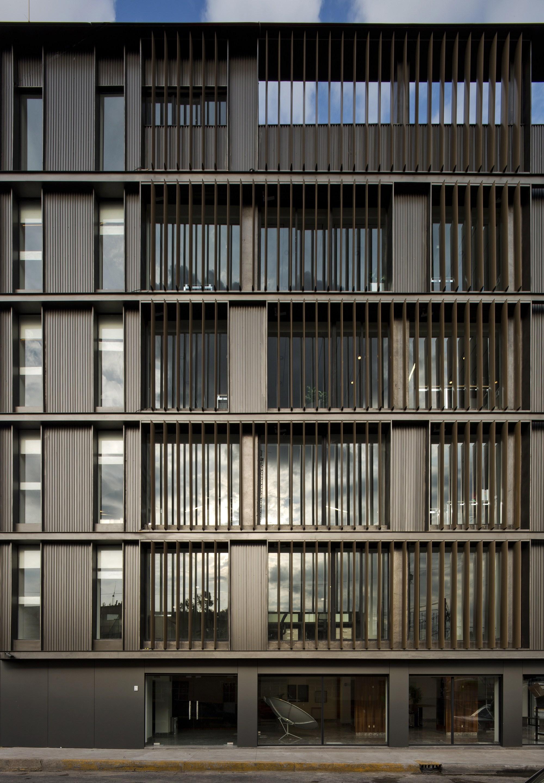 Galeria de remodela o do edif cio de escrit rios fortius for Design 4 office lausanne