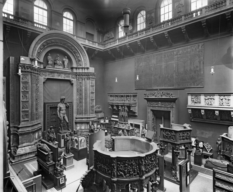 "London's Victoria & Albert Museum to Present ""A World of Fragile Parts"" at 2016 Venice Biennale, V&A Italian Cast Court, 1920. Image © V&A Images"