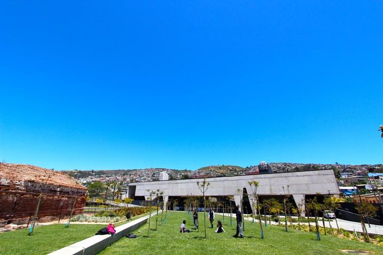 Valparaíso volverá a recibir la Bienal de Arquitectura de Chile en 2017, Parque Cultural Valparaíso. Image © Flickr User: throgers, licencia bajo CC BY-NC-ND 2.0