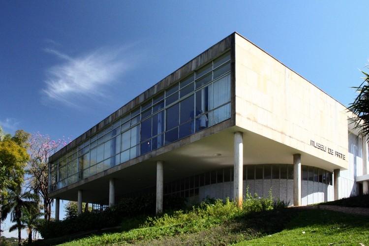 Restauro do Museu de Arte da Pampulha tem início previsto para este ano, Cassino da Pampulha (1942), atual Museu de Arte da Pampulha, de Oscar Niemeyer. Image © Marcelo Palhares Santiago