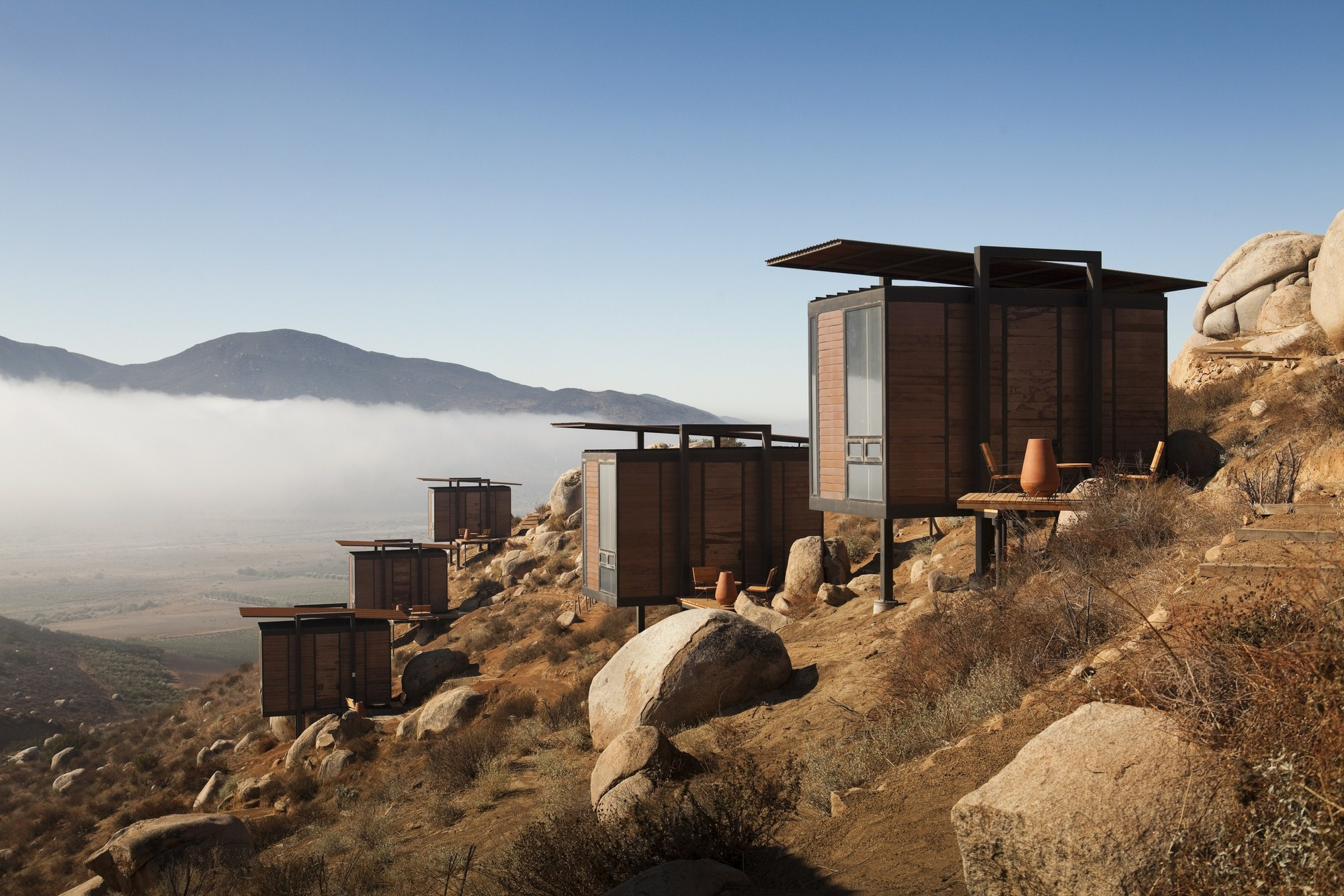 Valle Guadalupe consiste en cabañas modernas con una vista espectacular.