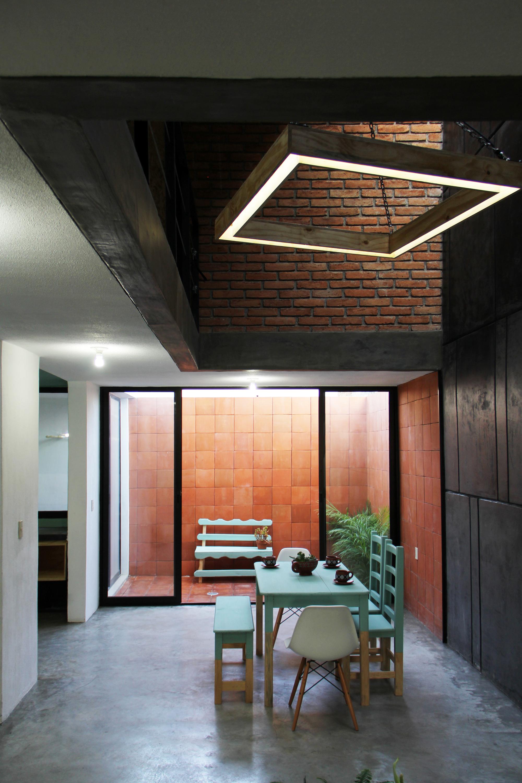 Tadeo House / Apaloosa Estudio de arquitectura y diseño   ArchDaily