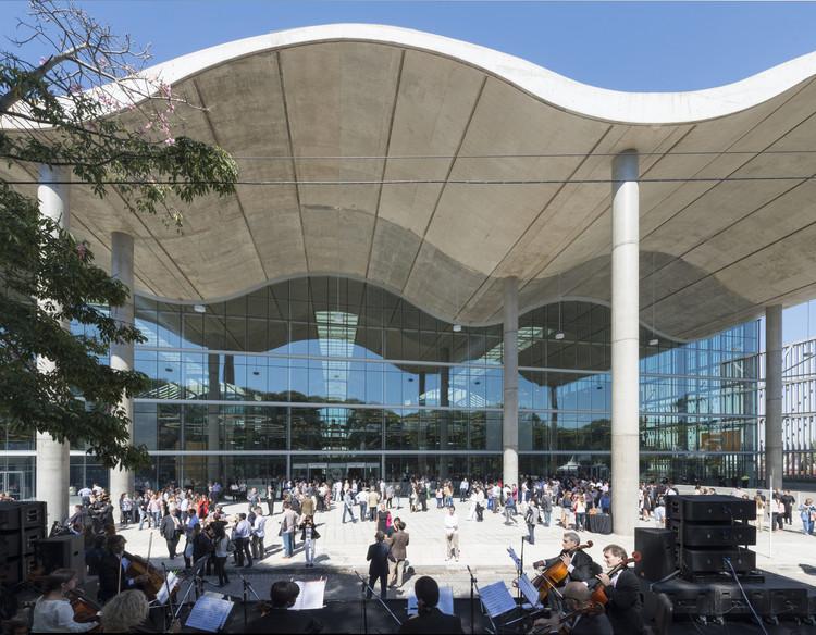 Nueva Jefatura de Gobierno de Buenos Aires entre los finalistas del primer premio internacional de la RIBA, Nueva Jefatura de Gobierno de Buenos Aires / Foster + Partners. Image © Nigel Young. Cortesía de Royal Institute of British Architects