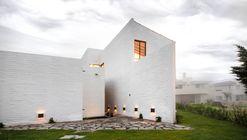 Eucaliptos House / MO+G taller de arquitectura