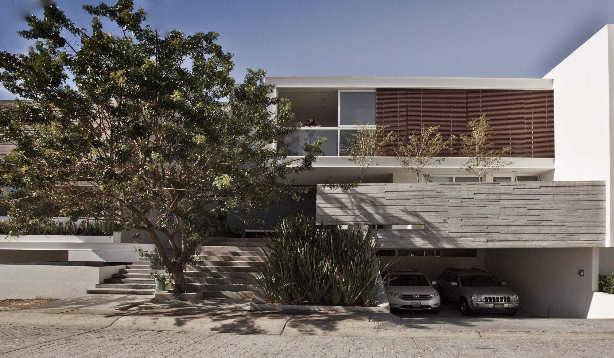 Palmas seis house pomc arquitecto archdaily for Casa design manzano