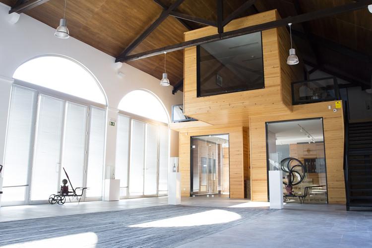 Salón de vino de Casal Da Coelheira / Modo Arquitectos Associados, © José Damas - PopCom