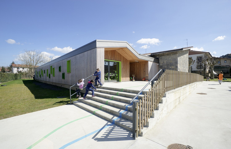 Nursery School in Zubieta Extension / Estudio Urgari | ArchDaily