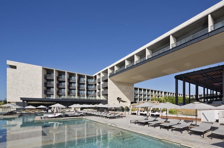 Hotel Grand Hyatt Playa del Carmen / Sordo Madaleno Arquitectos, © Paul Rivera