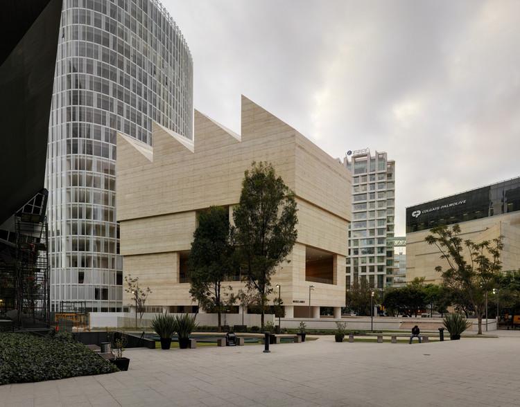 Museo Jumex entre los finalistas del primer premio internacional de la RIBA, © Simon Menges