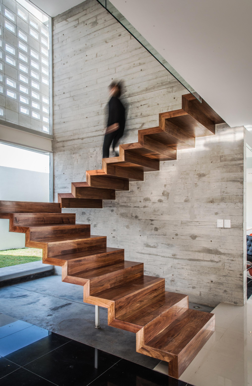 Galer a de casa trojes arkylab 2 for Modelos de escaleras internas para casas