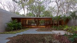 Casa DIYA / SPASM Design Architects