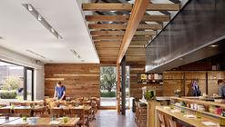 Qui Restaurant / A Parallel Architecture