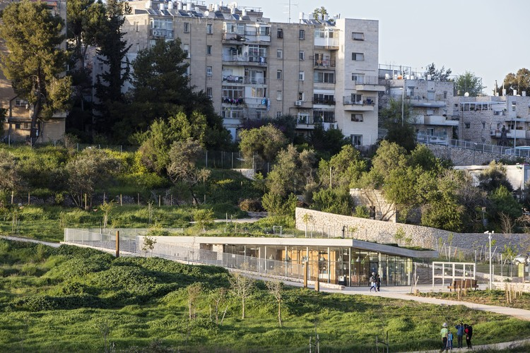 The Gazelle Valley Park / Weinstein Vaadia Architects + Rachelle Wiene, © Amit Geron, Amir Balaban & Rachelle Wiener