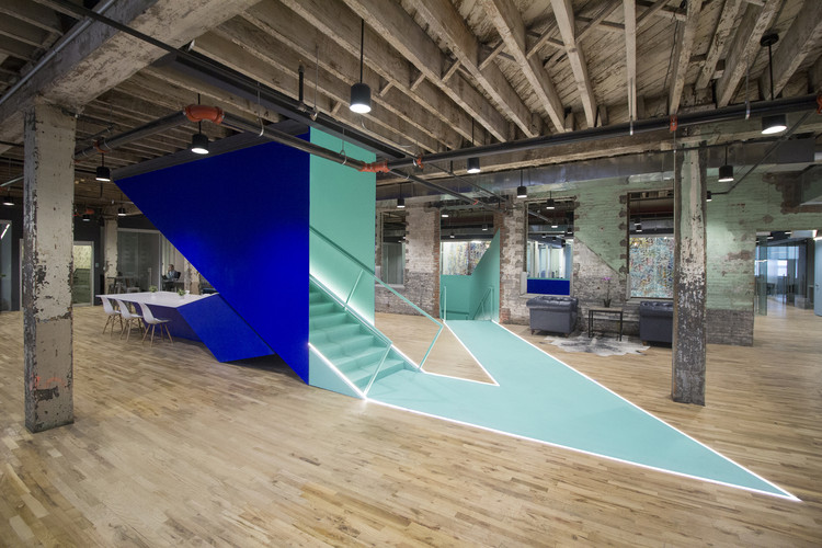 Coworkrs  / Leeser Architecture
