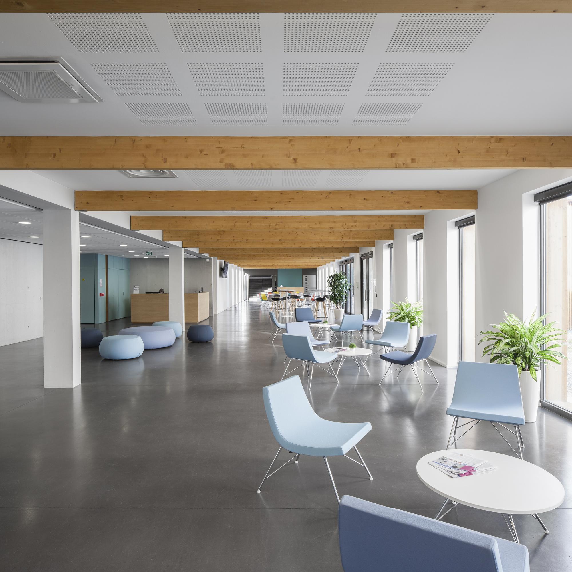 Galeria de lyric d a architectes 3 for Aea architecte