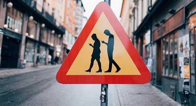 Alemania instala semáforos led en las veredas para darle más seguridad a los peatones, © Süddeutsche Zeitung