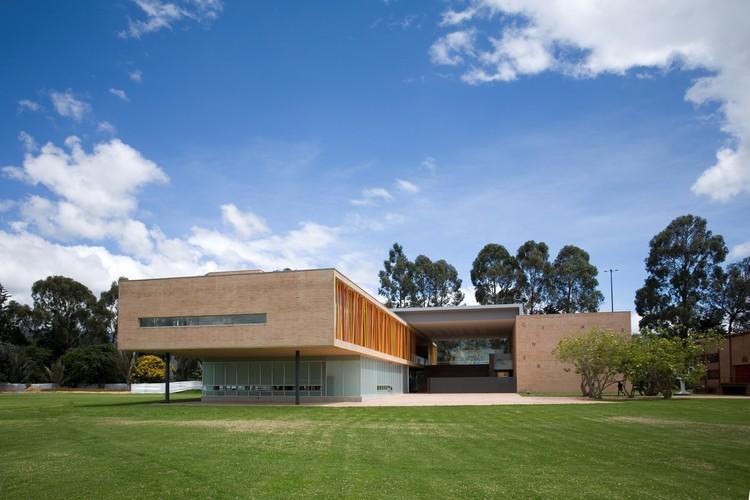 Colegio Los Nogales / Daniel Bonilla Arquitectos, © Rodrigo Dávila