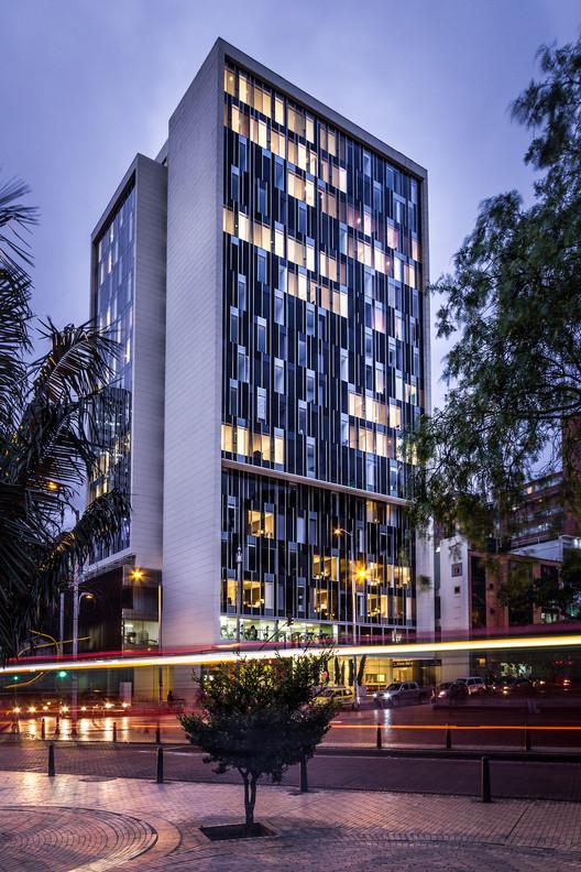 Torre Bicentenario  / Entorno AID + CMS+GMP
